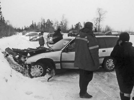 На дорогах: столкнулись Opel и Mazda, ранена девушка